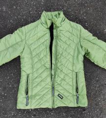 Prelepa zimska jakna odlična