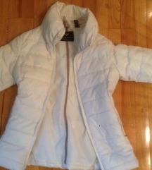 Zara jaknica za tinedzerke