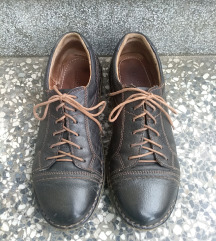 Lasocki kozne cipele br. 38 SADA