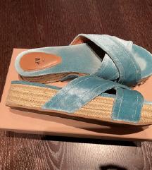 H&M  limited pliš papuče