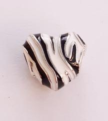 PANDORA zebrasto srce S925