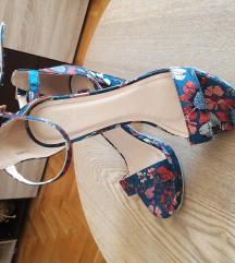 Sandale cvetni dizajn