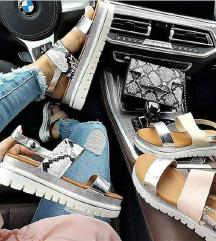 Sandale rozikaste nove!Akcija