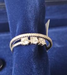 NOV neobican prsten 925 17mm