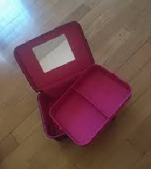 AVON kutija - torba za nakit