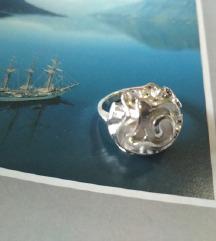 Nov prsten ruza zig 925