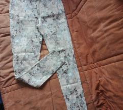 Cvetne pantalone S/M