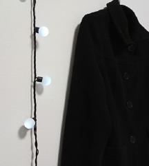 Klasičan crni kaput