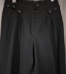 Crne baggy pantalone