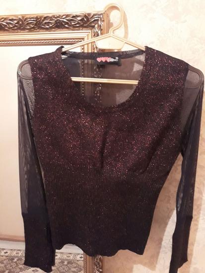 Poluprovidni džemper sa šljokicama *novo*