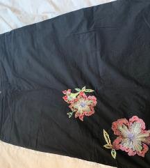 crna suknja sa cvetovima