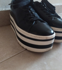 Catwalk kripersice / goth cipele na platformu