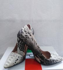Cipele na stiklu zmijski print
