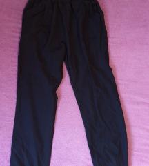 Amisu crna trenerka / pantalone