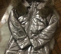 Zlatna zimska jakna sa prirodnim krznom