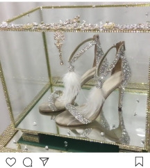 Sandale sa perjem i cirkonima