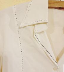 Bela pamučna košulja