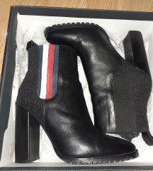 Tommy Hilfiger zenske  kozne cizme
