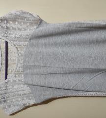 Sivo bela majica kratkih rukava *NOVO*