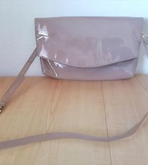 Lakovana puder roze torbica