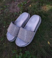 Srebrne papuce sa cirkonima