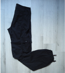Crne pantalone M