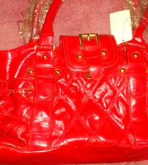 Nova crvena lakirana torba