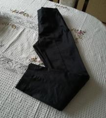 H&M savrsene crne pantalone NOVO