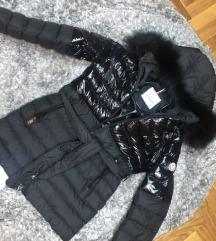 Moncler jakna sa prirodnim krznom