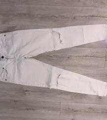 Bele pantalone New yorker
