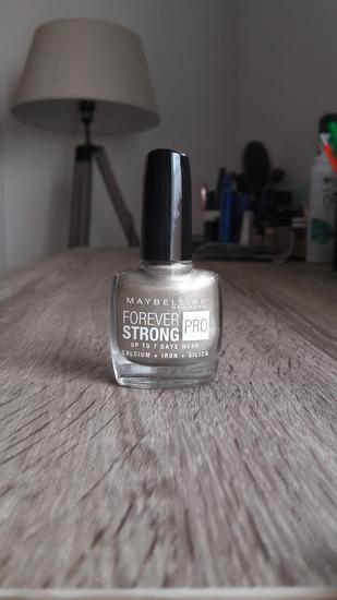 Maybelline Forever stong lak za nokte