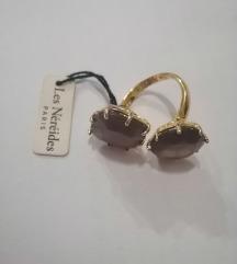 Prsten sa kamenom
