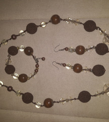 Prelep vrlo efektan i kvalitetan set nakita