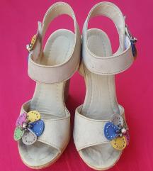 Bež sandale, platforma, br. 36 ili 37