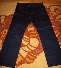 Crne pamucne pantalone