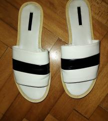 Zara kožne papuče