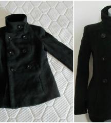 ZARA BASIC crni, kraci, vuneni kaputic 34 S