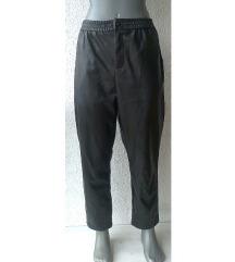 crne pantalone eko koža broj 42 RESERVED