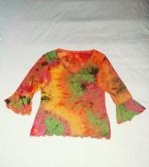 Atraktivna rastegljiva majica u batik tehnici