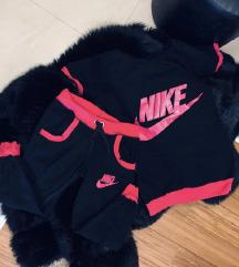 Nike trenerke komplet xs/s