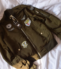 NOVO Maslinasta bomber jakna *sniženje 2000*