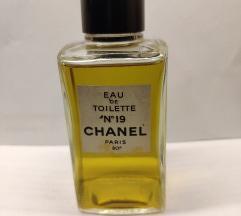Vintage Chanel No 19