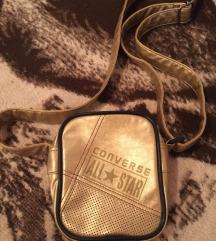 Converse zlatna torbica snizeno 400