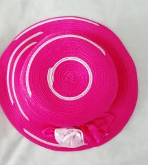 Pink sesir