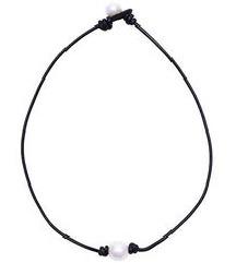 Jednostavna crna ogrlica sa perlicama