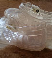 Gumene sandale 28, italijanske, skoro pa nove.