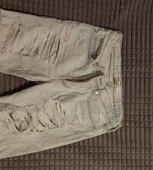 Tričetvrt pantalone