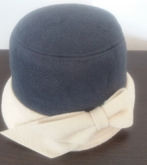 P.S. šešir