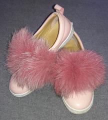Roze patike/espadrile sa krznom