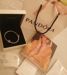 Pandora nova narukvica sa jednim priveskom